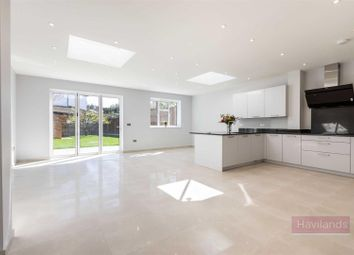 4 bed semi-detached house for sale in Greenway, London N14