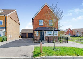 Moy Green Drive, Horley RH6. 3 bed detached house for sale