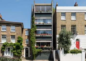 Thumbnail Flat for sale in Hyde Vale, London