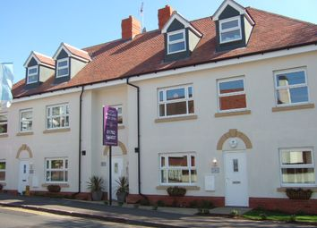 Thumbnail 2 bed flat to rent in Kingsgate, Rayleigh