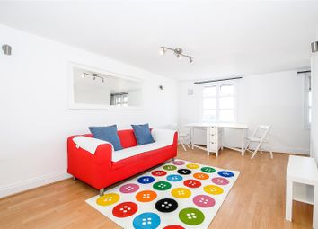 Thumbnail 1 bed flat to rent in Clapham Common South Side, Clapham