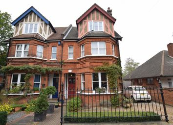 2 bed flat to rent in Rhodesia Lodge, Highland Avenue, Brentwood CM15