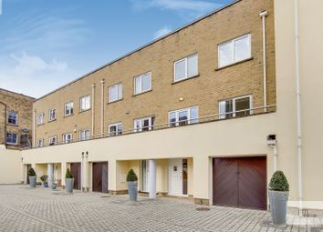 Thumbnail 4 bed town house to rent in Sussex Way, London