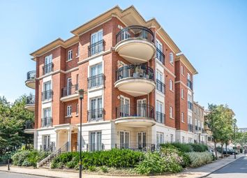 Clevedon Road, Twickenham TW1. 2 bed flat for sale