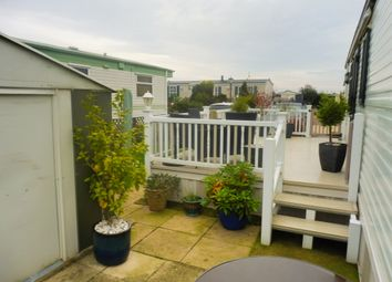 Thumbnail 2 bedroom mobile/park home for sale in Towngate East, Market Deeping, Peterborough