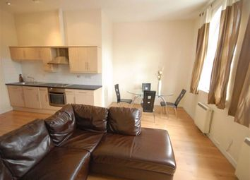 2 bed flat to rent in Dickenson Road, Manchester M13