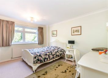 Thumbnail 2 bed flat to rent in Marloes Road, Kensington, London