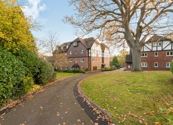 Thumbnail 2 bed flat for sale in Graemesdyke Road, Berkhamsted