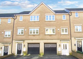 Thumbnail 4 bed town house for sale in Pilgrim Approach, Gainsborough