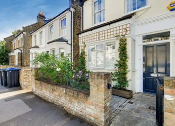 Thumbnail 2 bed flat to rent in Dundonald Road, London