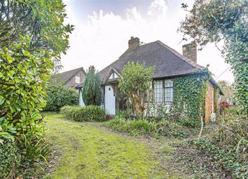 Mill Lane, Oxted, Surrey RH8. 3 bed detached house for sale