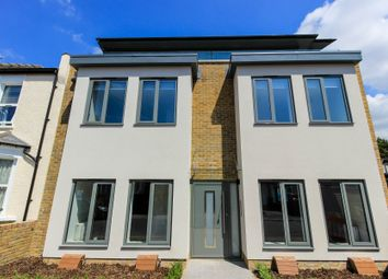 Thumbnail 2 bed flat to rent in Stanley Road, London