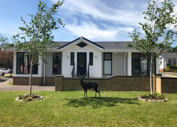 2 bed mobile/park home for sale in Emms Lane, Brooks Green, Horsham, West Sussex RH13