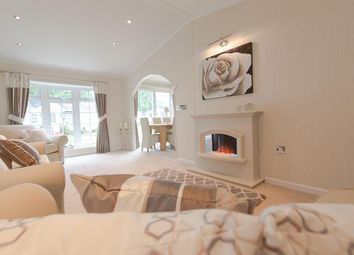 Thumbnail 2 bed mobile/park home for sale in Oaklands Park, Brooks Green, West Sussex