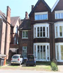 2 bed flat to rent in Victoria Park Road, Clarendon Park, Leicester LE2