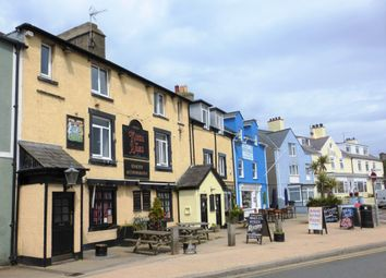 Thumbnail Pub/bar for sale in Hibernia Terrace, Holyhead