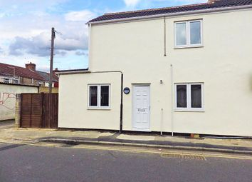 Thumbnail 1 bedroom flat to rent in Aylesbury Street, Swindon, Wiltshire