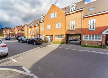 Thumbnail 2 bed flat for sale in Dover Road, Tadworth