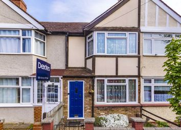 3 bed property for sale in Saxon Avenue, Feltham TW13
