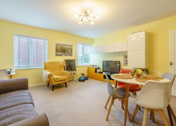 Thumbnail 2 bedroom flat for sale in 2 Hemsley House, Bettenson Close, Chislehurst