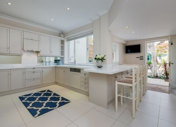 Thumbnail 6 bedroom terraced house to rent in Wilton Place, London