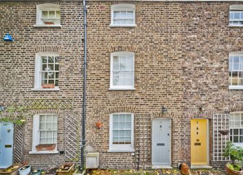 2 bed property for sale in James's Cottages, Kew Road, Kew TW9