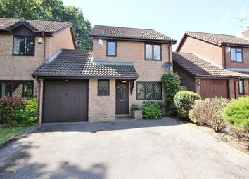 Thumbnail 3 bedroom link-detached house for sale in Stirling Crescent, Hedge End, Southampton