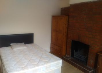 Thumbnail 1 bedroom terraced house to rent in Basingstoke Road, Reading