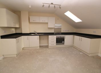 Thumbnail 2 bed flat for sale in Havant Road, Horndean, Waterlooville