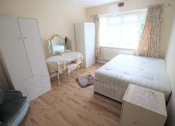 Thumbnail Room to rent in 15 Hurst Lodge, Stanley Avenue, Wembley, Middlesex