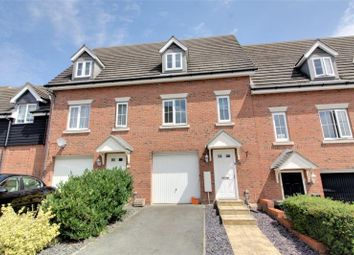 Thumbnail 3 bed town house to rent in Guillemot Close, Stowmarket