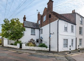 Thumbnail 4 bed cottage for sale in Market Hill, Cowes