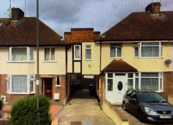 Selborne Gardens, London NW4. Room to rent