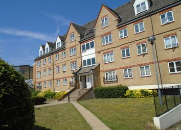 2 bed flat to rent in Station Road, Elstree, Borehamwood WD6