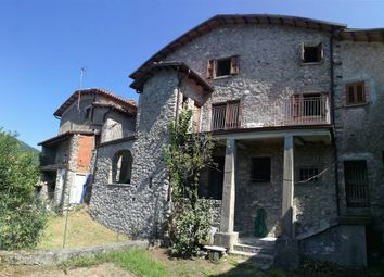 Thumbnail 5 bed property for sale in Fabbriche Di Vergemoli, Toscana, 046036, Italy