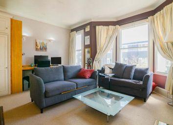 2 bed flat for sale in Elspeth Road, Battersea SW11