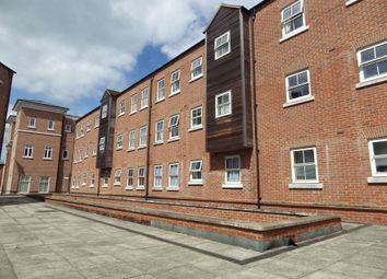 2 bed flat to rent in Nymet Court, Aylesbury, Buckinghamshire HP19