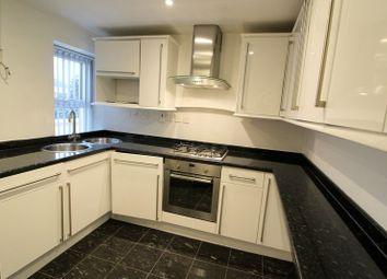 Thumbnail 2 bed flat to rent in Lakeside, Aylesbury, Bucks