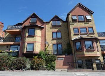 Thumbnail 2 bed flat to rent in West Cliff Road, Broadstairs
