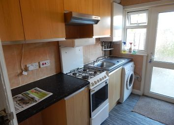 Thumbnail 3 bed terraced house to rent in Thornhill Road, Luton