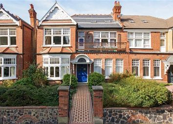 Thumbnail 3 bedroom flat for sale in Queens Avenue, Muswell Hill