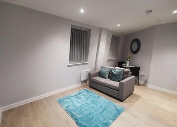 Thumbnail 1 bed flat to rent in Liverpool Road, Luton