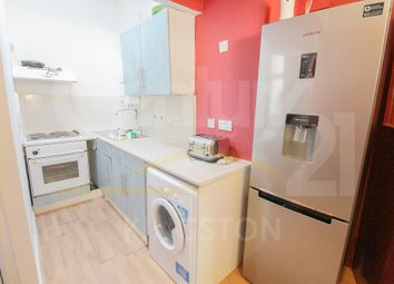 2 bed flat to rent in Surbiton Road, Kingston Upon Thames KT1