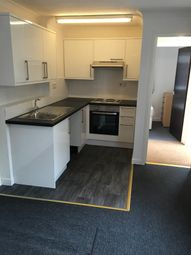 Thumbnail 2 bed flat to rent in Grove Road, Luton