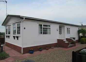 Thumbnail 2 bedroom mobile/park home for sale in Plumtree Park (Ref 5621), Marham, Nr Kings Lynn