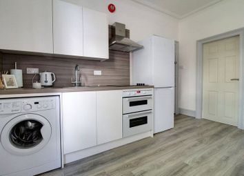 Thumbnail 1 bedroom flat for sale in South Street, Reading, Berkshire