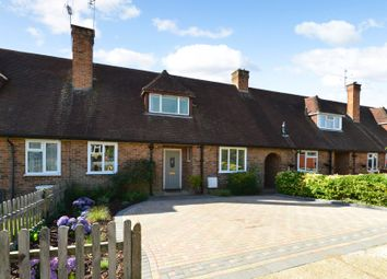 2 bed terraced house for sale in The Horseshoe, Godalming GU7