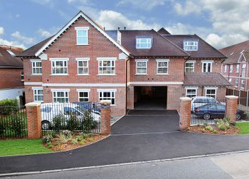 Thumbnail 1 bed flat to rent in Manor Road, Chigwell