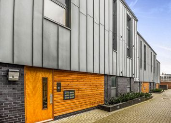 Thumbnail 1 bed flat for sale in Wharncliffe Mews, London