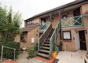 Claremont Road, Laindon SS15. 1 bed flat